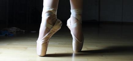 [ทำนายฝัน-ตัวเลข] ฝันว่าได้สวมรองเท้าบัลเล่ต์,ฝันเห็นรองเท้าบัลเล่ต์
