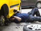 ฝันว่ารถเสียต้องซ่อม , ฝันเห็นช่างกำลังซ่อมรถของคุณ